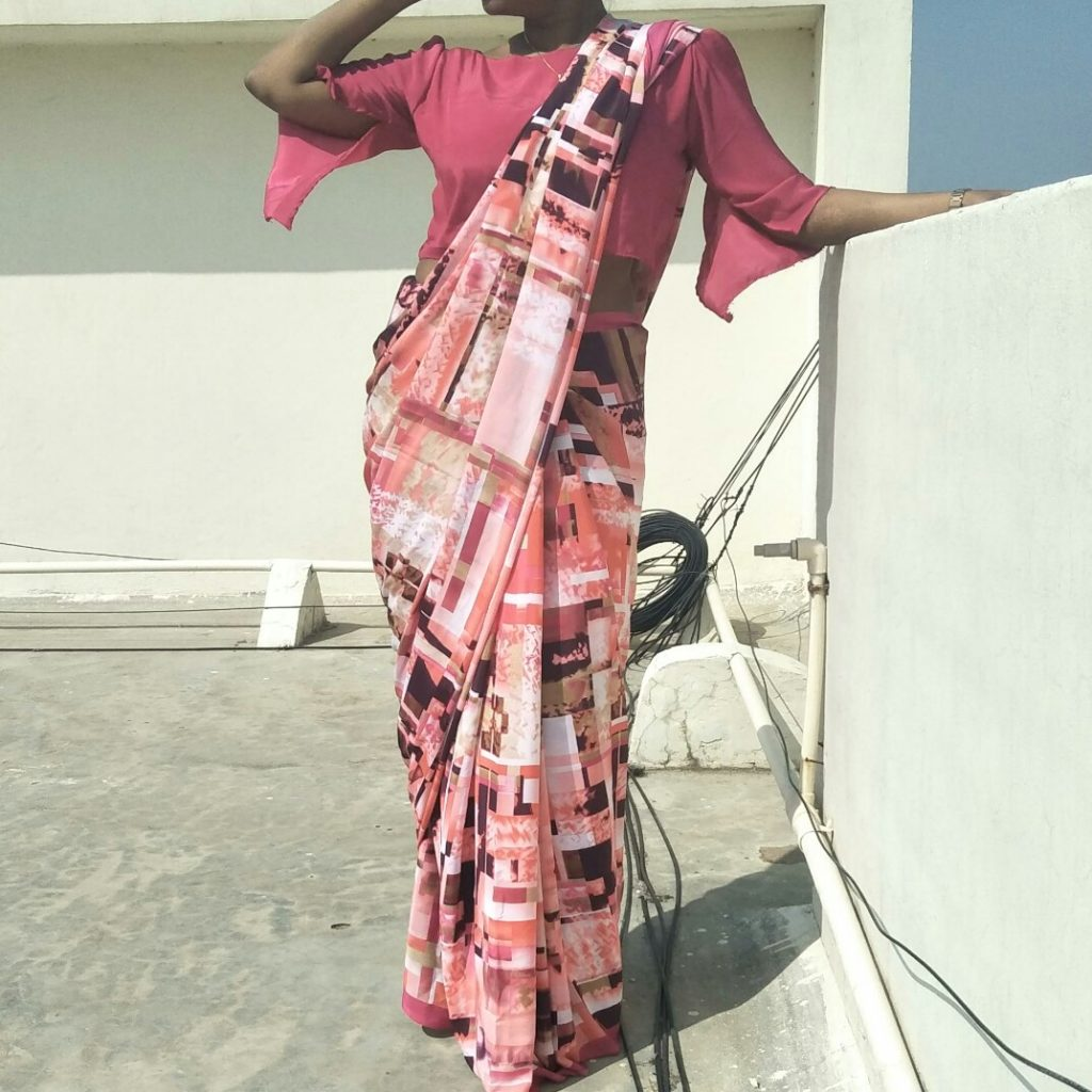 Crop Top Blouse Design For Saree - Bell sleeve with slit inside