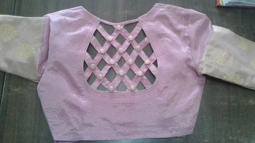 checks pattern blouse back