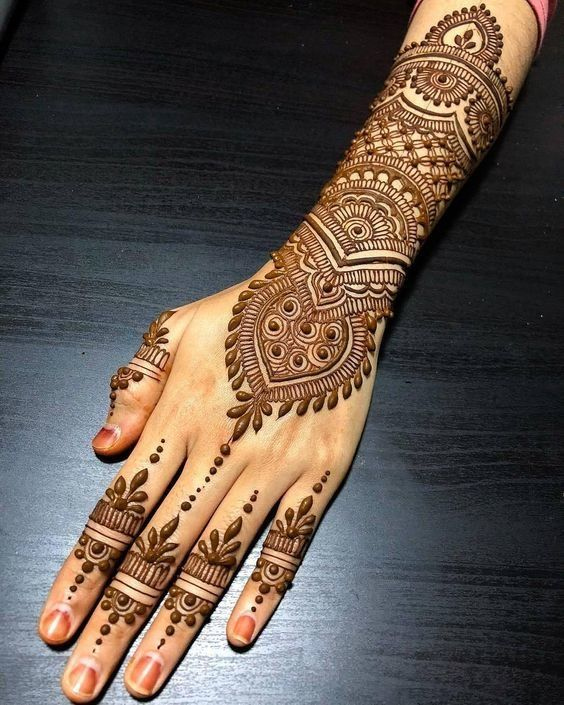 Top 10 Engagement Mehndi Designs You Should Try In 2019