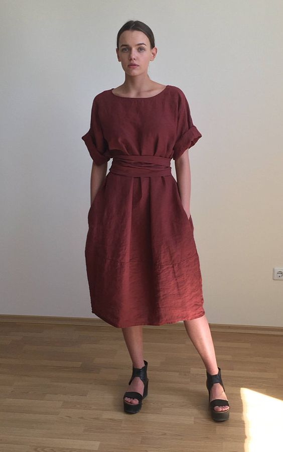 Minimalist Style Jester Red Lenin Dress