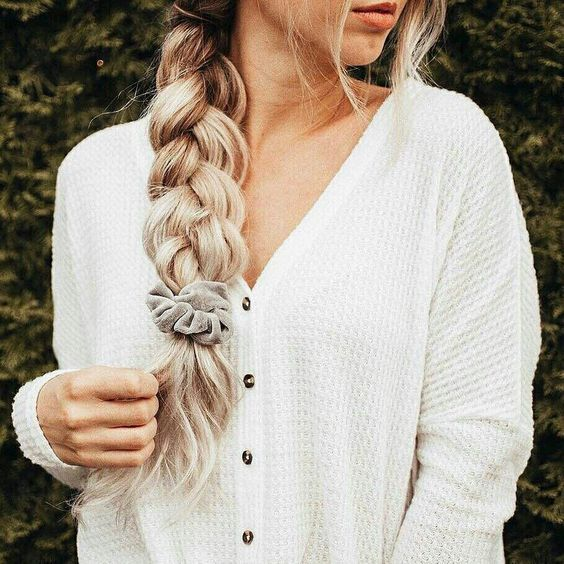 easy scrunchie hairstyle