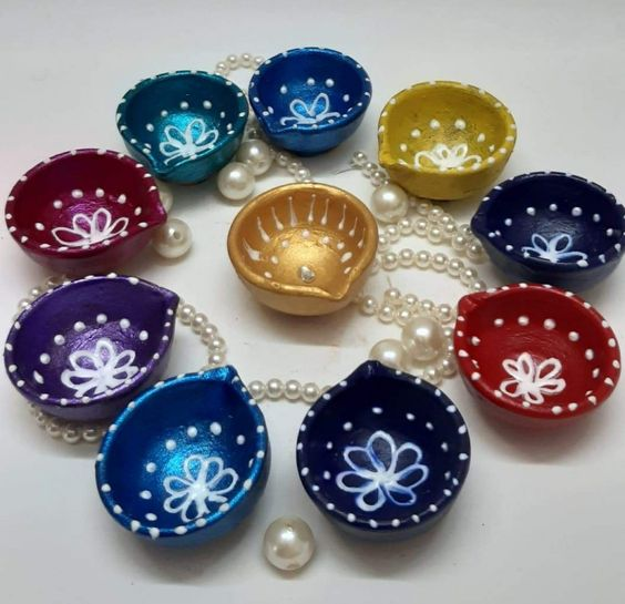 colored diyas