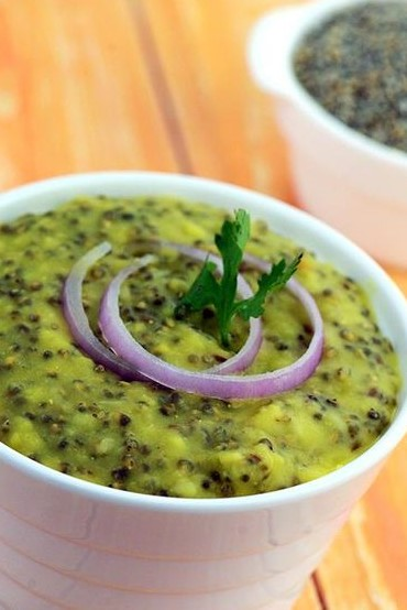 Bajra and moong dal kichidi