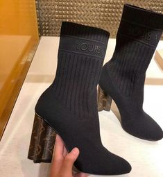 Sock-fit boots